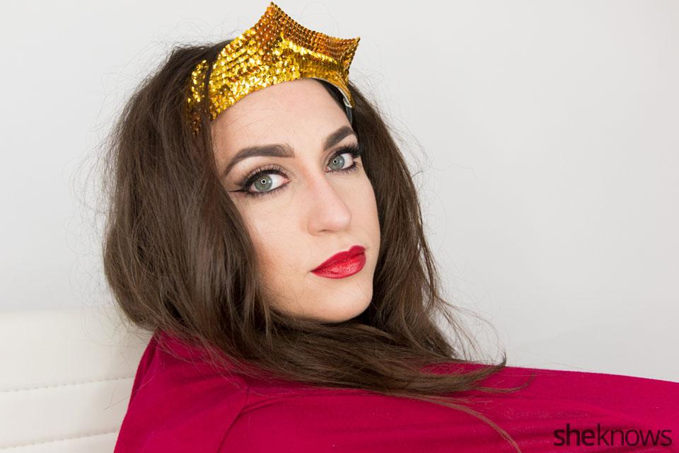 Classic Wonder Woman makeup tutorial: Step 12