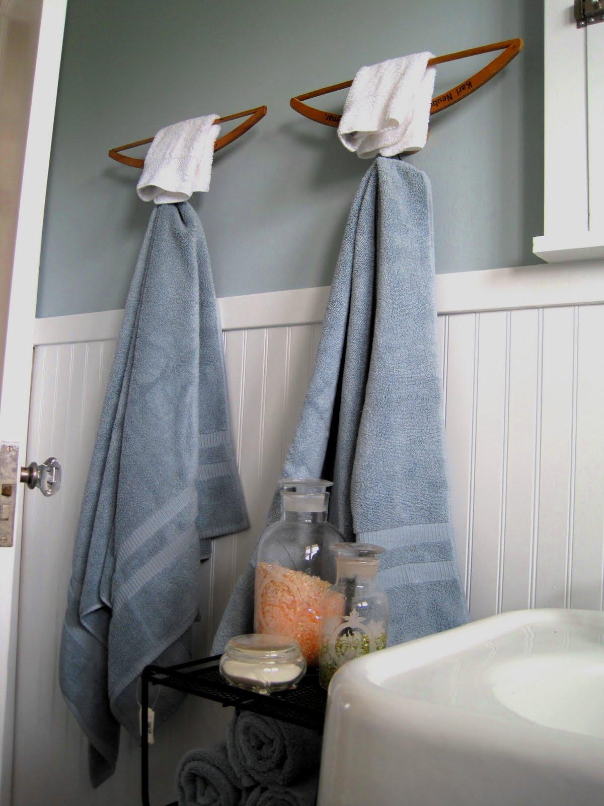 Clothes hanger life hack for DIY towel hook
