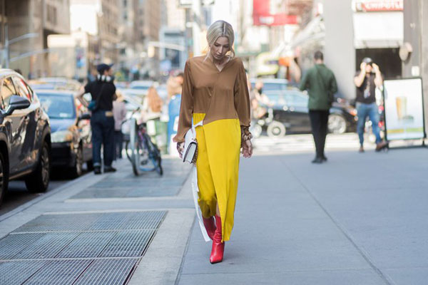 Other Clashing Colors: Brown and yellow dress