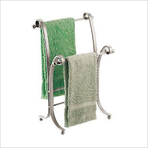 Curved towel stand