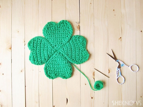 four-leafed crocheted clover: attached