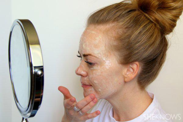 DIY Natural hydrating face mask Step 5: Apply mixture
