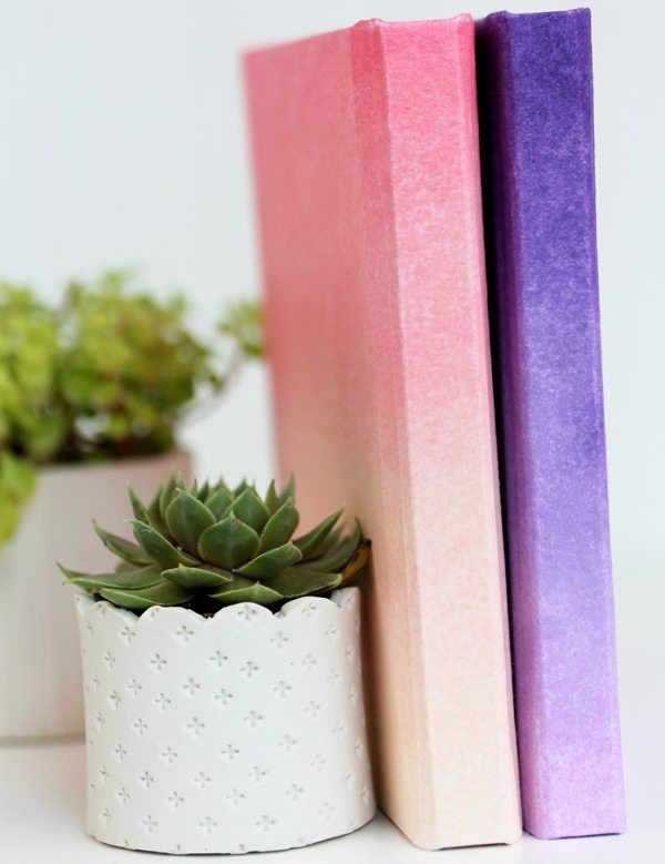 DIY Mother's Day Gifts: DIY Ombre Notebook Cover