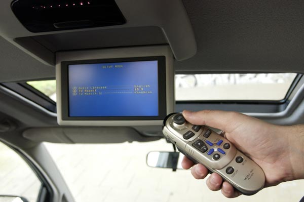 DVD-player-in-car