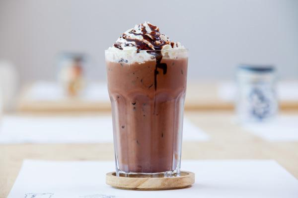 Dairy-free carob smoothie