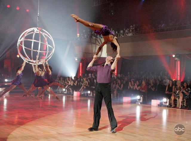 Dancing with the Stars, Cirque style