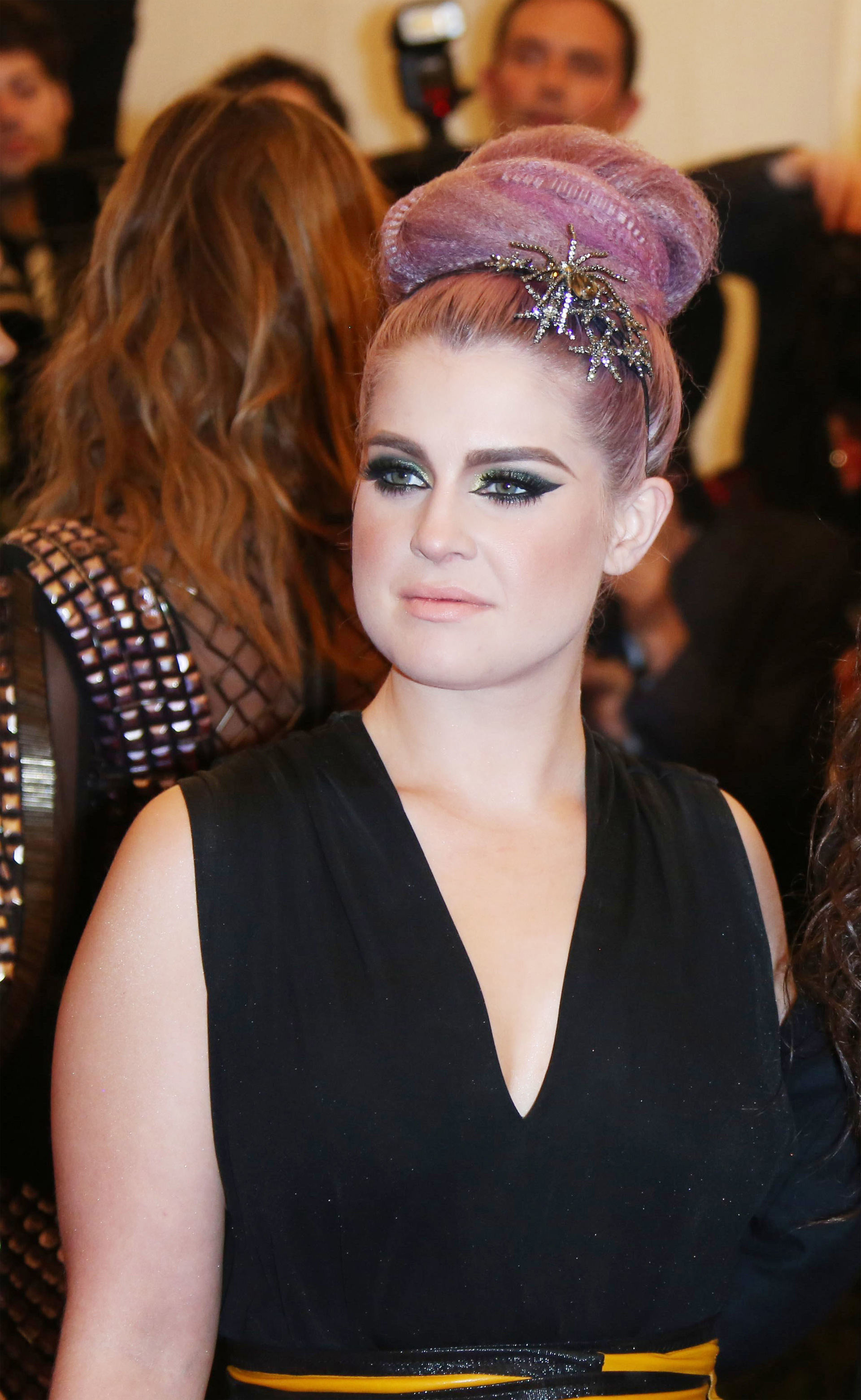 Dazzling hair accessories Kelly Osbourne