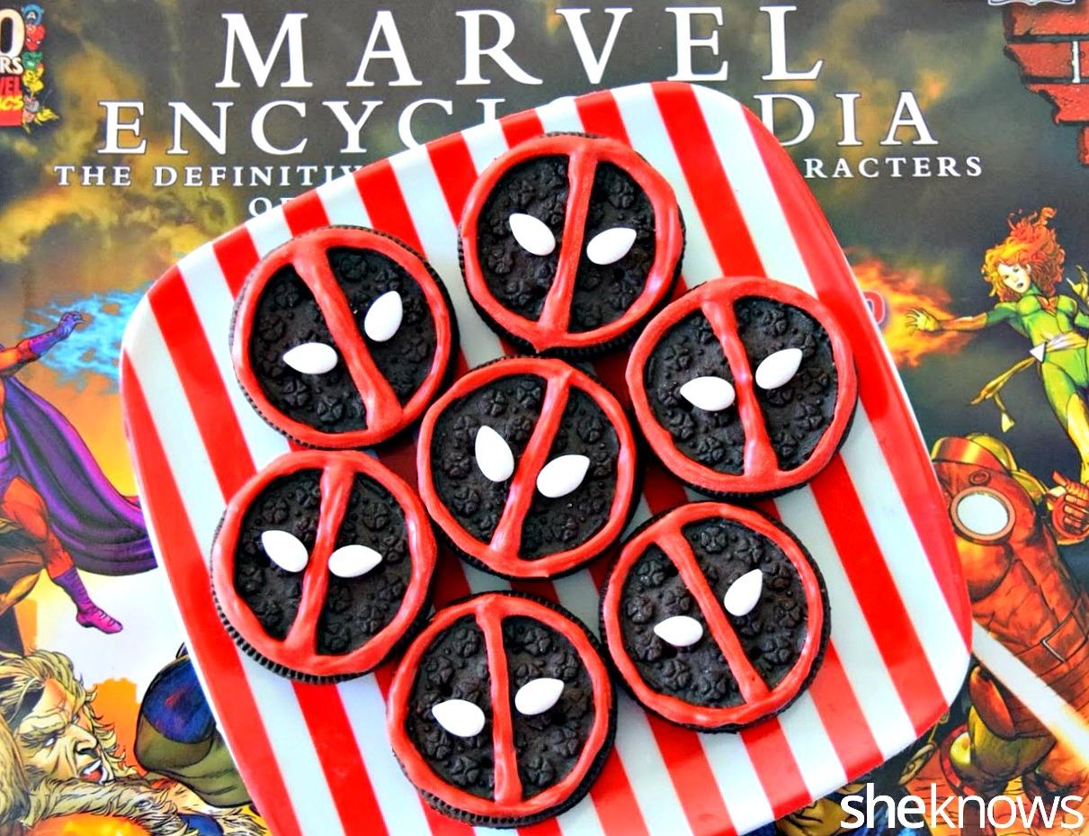 Deadpool decorated oreo cookies