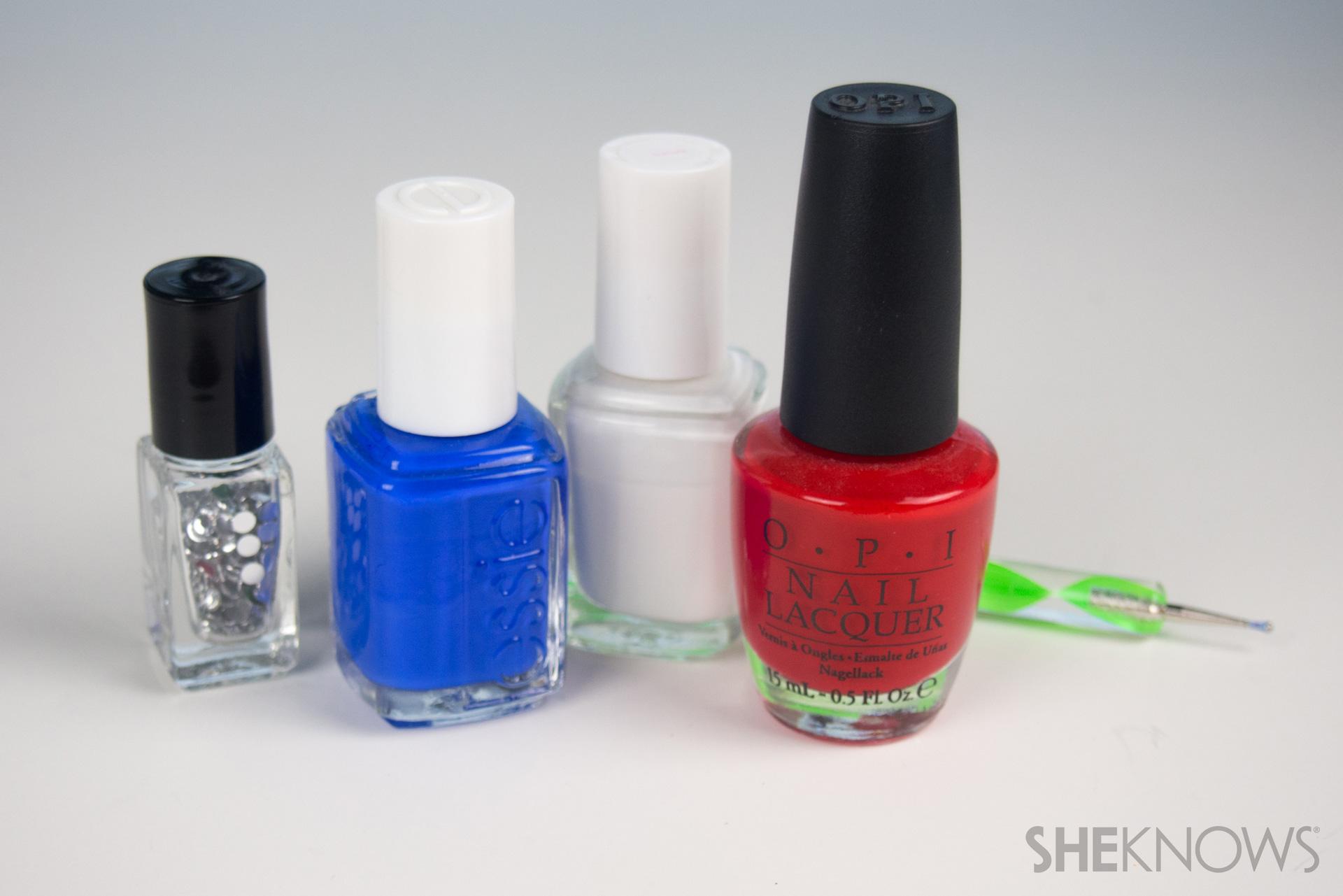 Glam Dots manicure
