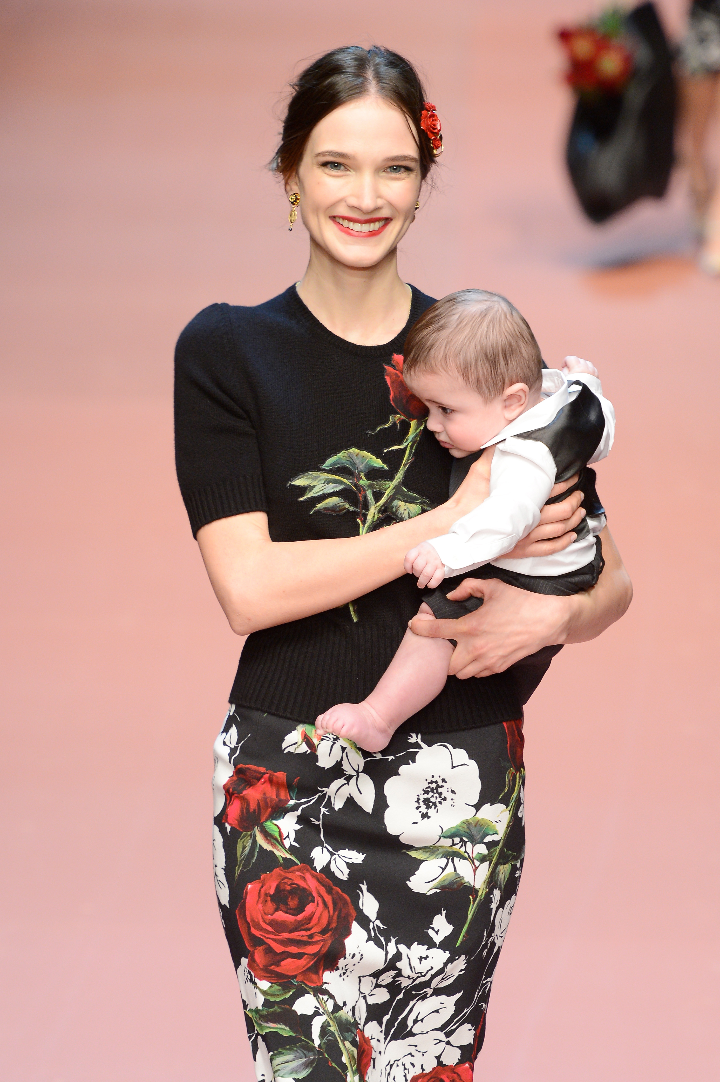 Dolce and Gabanna pregnant women on the runway