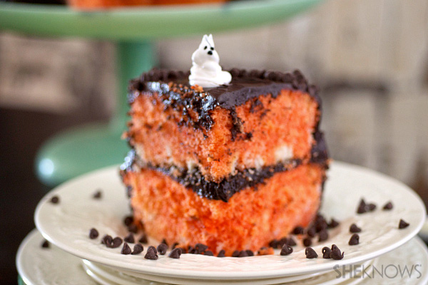 Halloween surprise cake | Sheknows.com