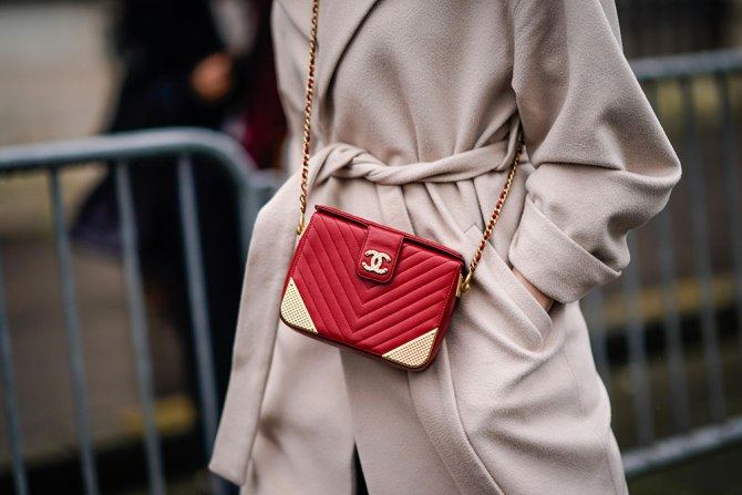 Effective Ways to Keep Your Purse Clean | Chanel bag