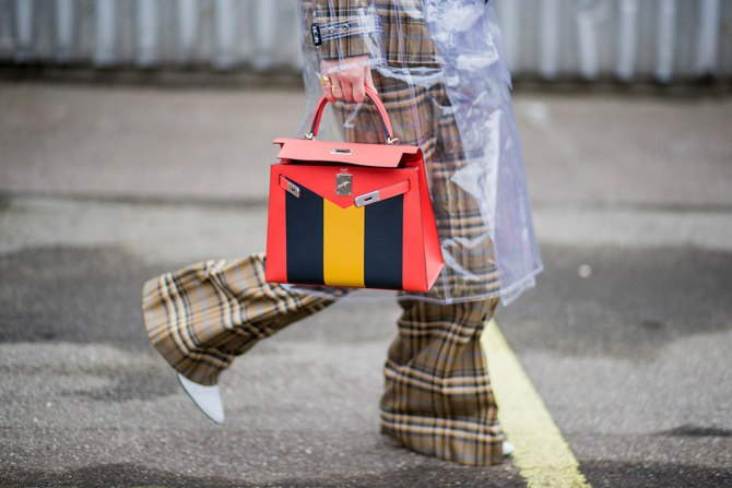 Effective Ways to Keep Your Purse Clean | Plaid Suit with color block bag