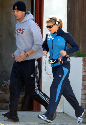 Fergie and Josh out running in Santa Monica