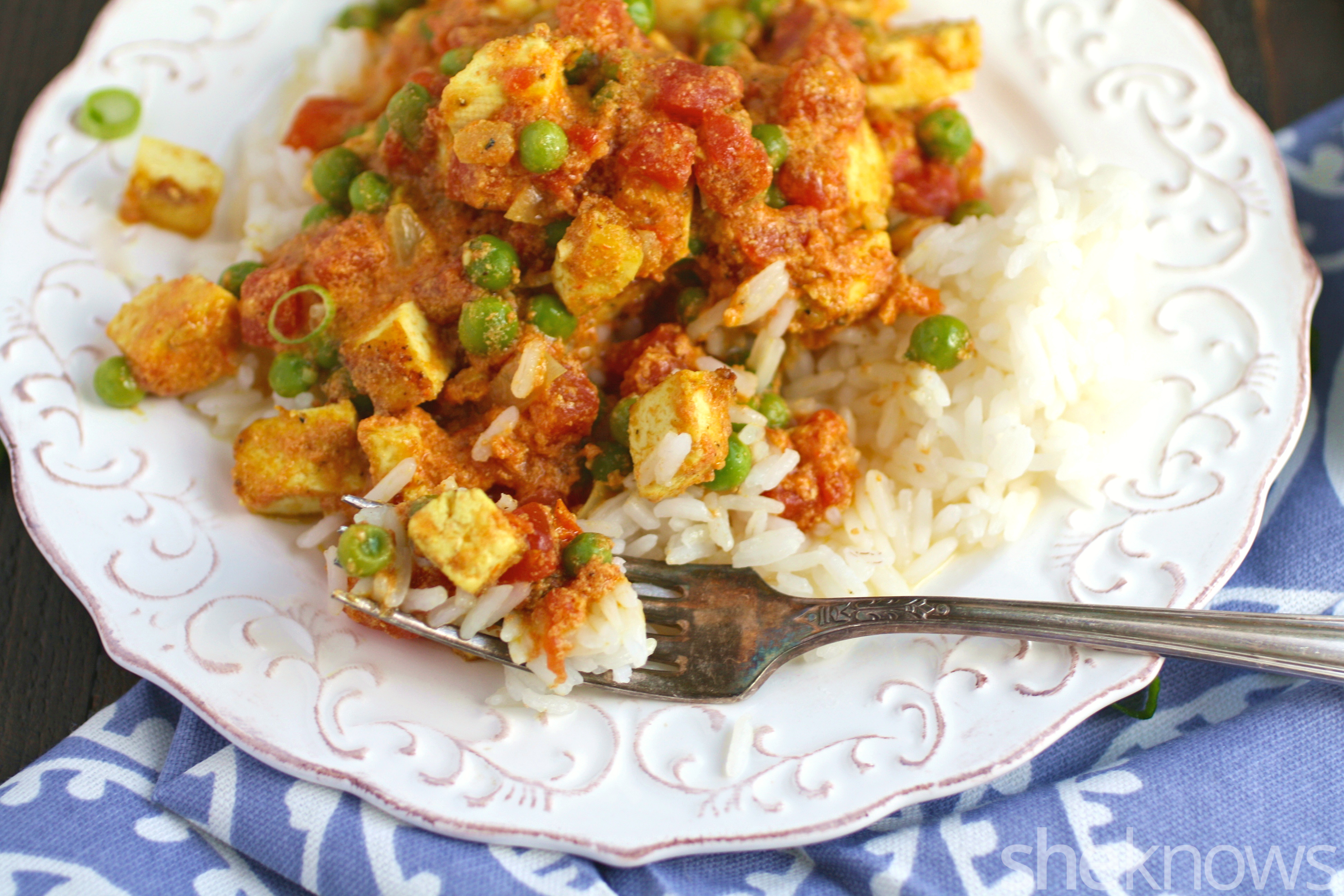 You'll want seconds of this Meatless Monay tofu tikka masala. It's delicious and easy to make.