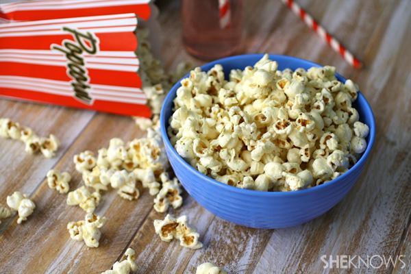 Gluten-free pizza-flavored popcorn recipe