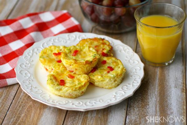 Mini crust-less quiche with red pepper and broccoli | Sheknows.com
