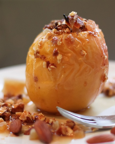 baked stuffed apple
