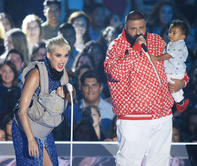Katy Perry brought a fake baby to the VMAs.