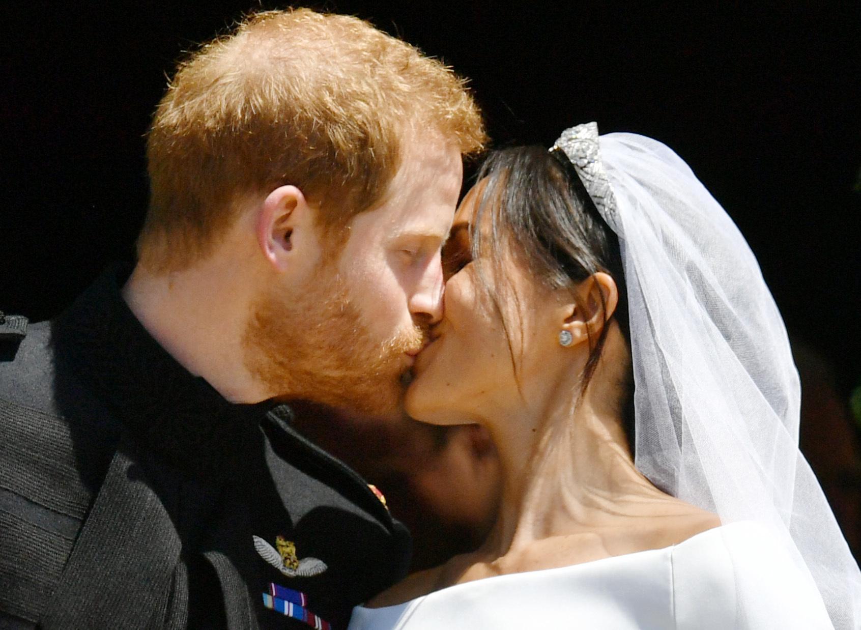 Prince Harry and Meghan kiss at wedding