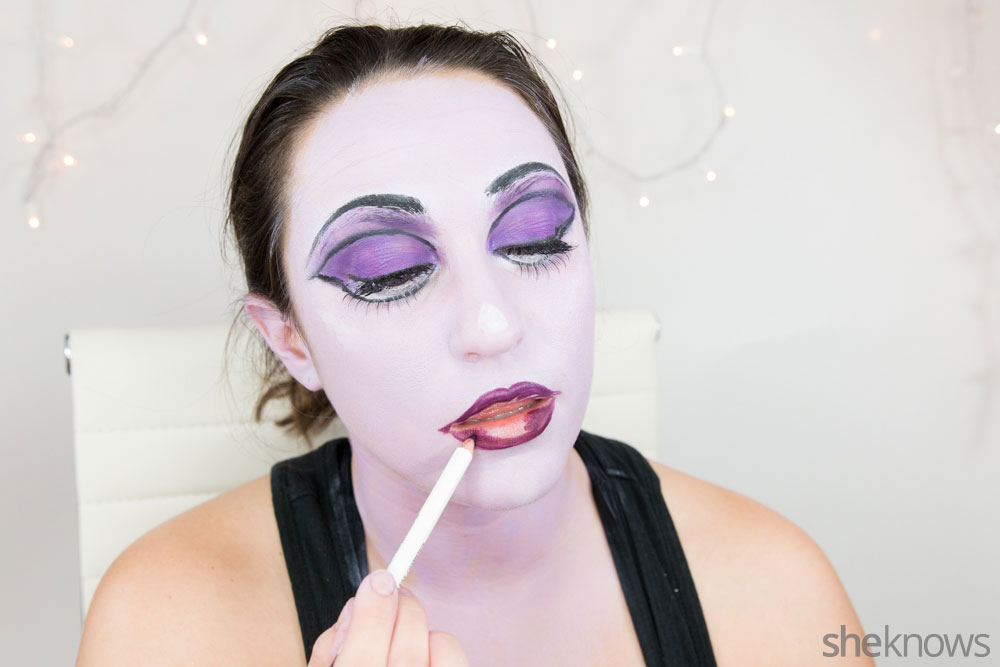 Ghoulish glam Halloween makeup tutorial: Step 14