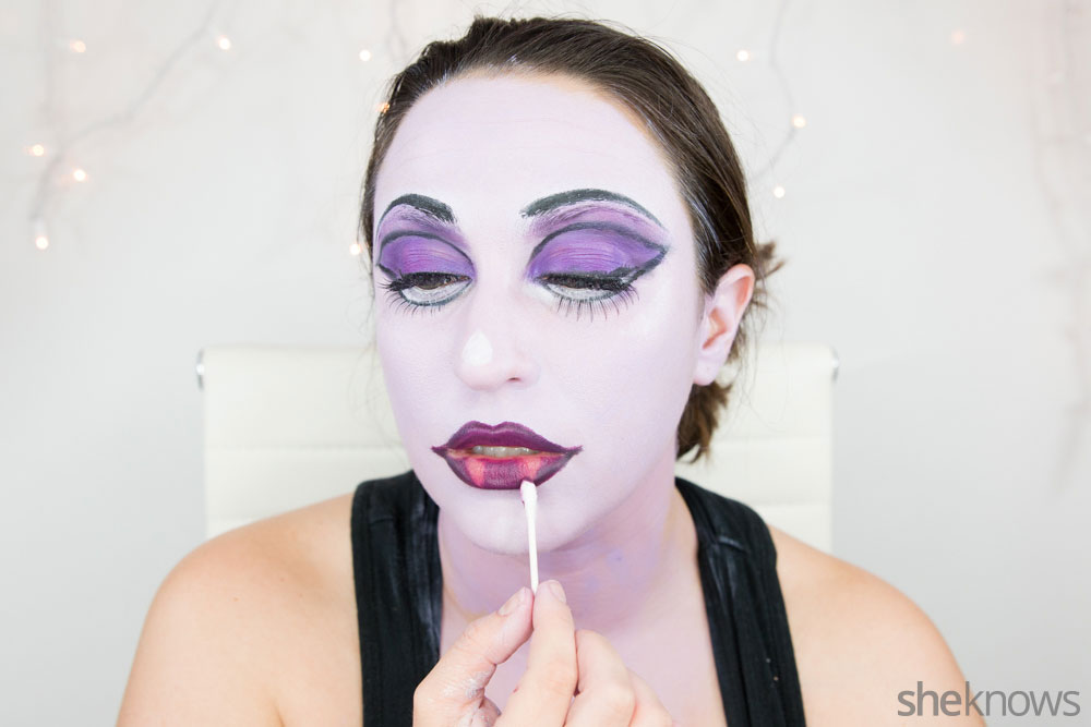 Ghoulish glam Halloween makeup tutorial: Step 15