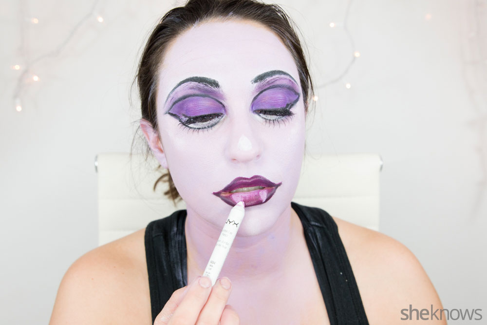 Ghoulish glam Halloween makeup tutorial: Step 16