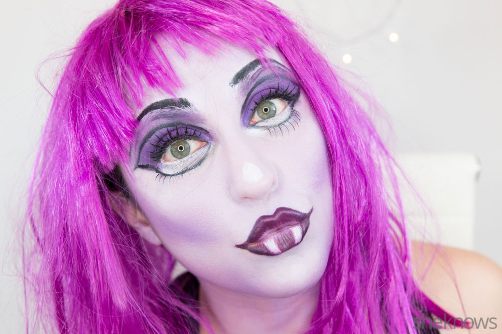 Ghoulish glam Halloween makeup tutorial: Step 18