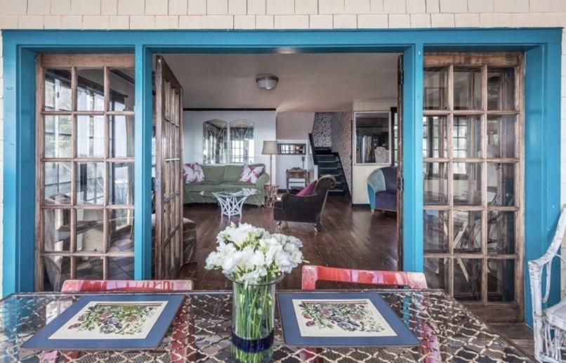 Jemima Kirke Girls East Hampton House For Sale | Sunroom