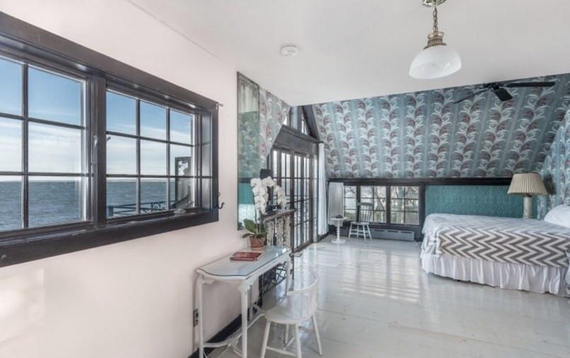 Jemima Kirke Girls East Hampton House For Sale | Bedrooms
