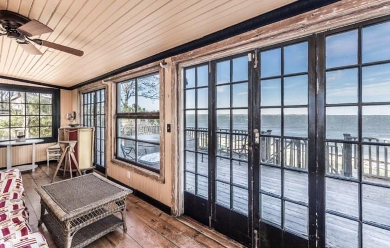 Jemima Kirke Girls East Hampton House For Sale | Bedroom Balcony