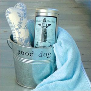 Good Dog gift bucket