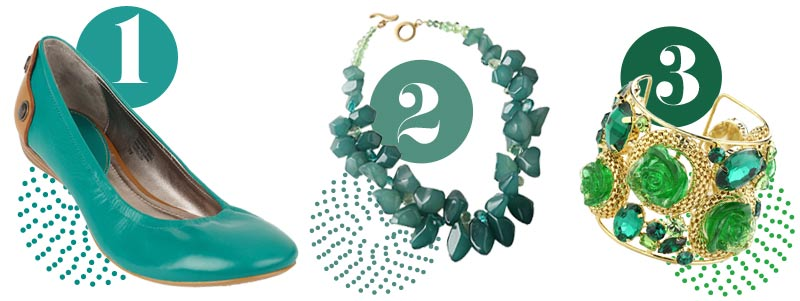 Green accessories: Green shoes, green necklace, green bracelet