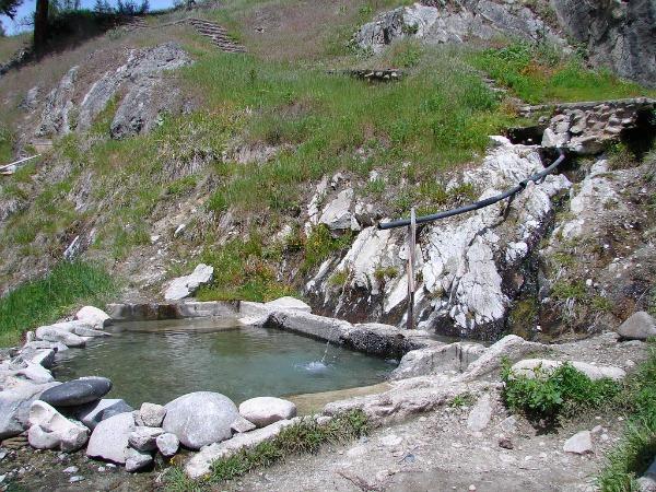 5 U.S Hot Springs Worth the Dip