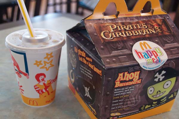 San Francisco bans childrens toys in high fat meals