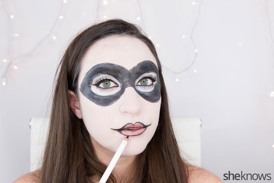 Harley Quinn makeup tutorial: Step 10