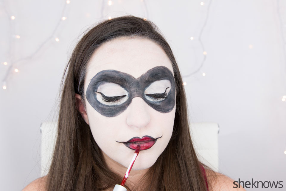 Harley Quinn makeup tutorial: Step 11