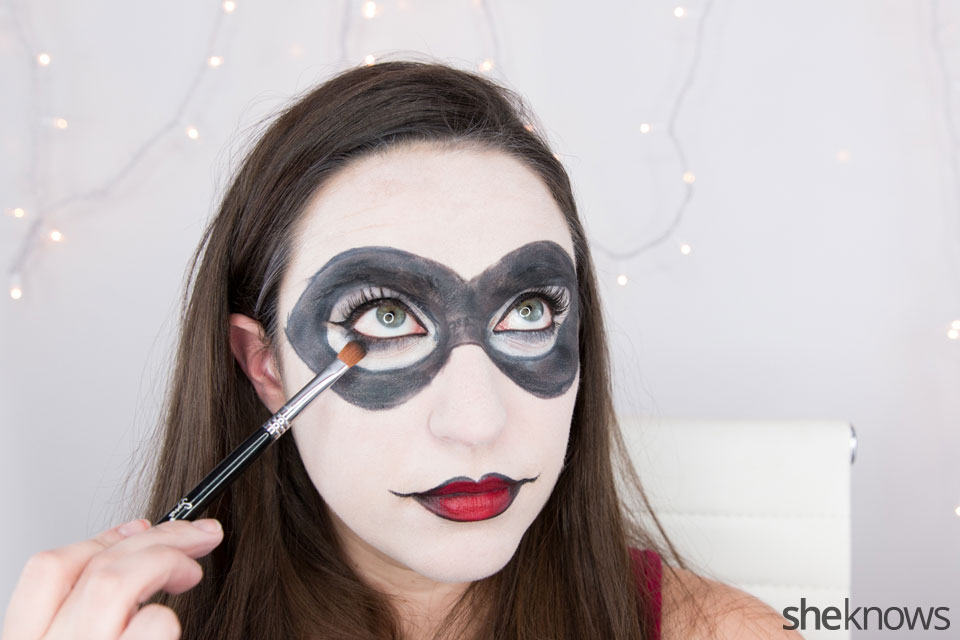 Harley Quinn makeup tutorial: Step 13