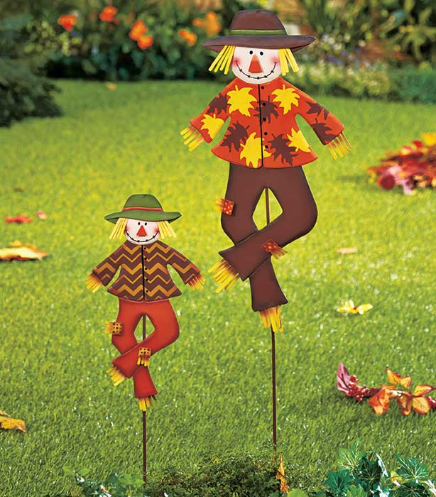 Harvest stake scarecrows