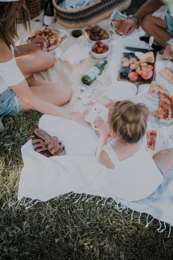 Summertime Family Activities: Night Picnic