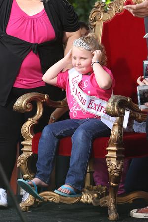 Honey Boo Boo in a crown