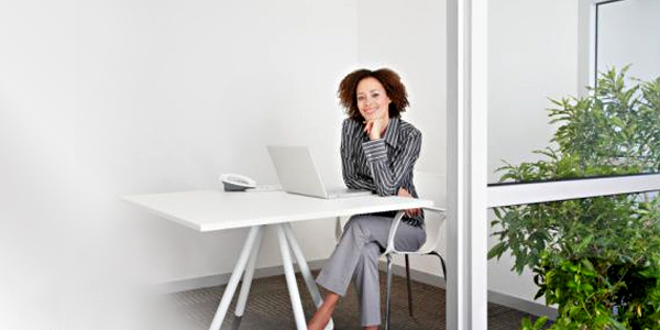 woman at work with clean desk