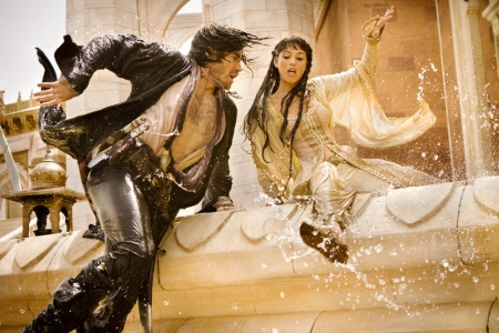 Jake and Gemma run for their lives in Prince of Persia: The Sands of Time