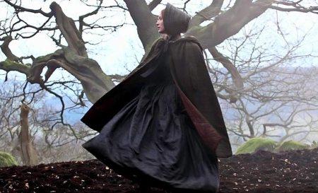 Mia Wasikowska is Jane Eyre