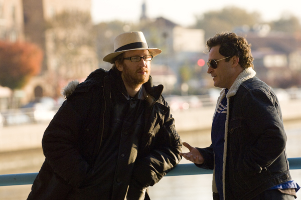 James Gray and Joaquin Phoenix discuss a scene in Two Lovers