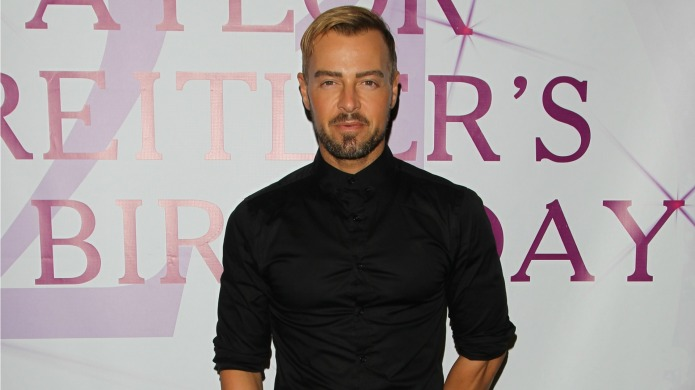 Joey Lawrence proves he never ages