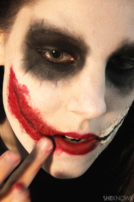 Freaky femme Joker makeup: Step 9