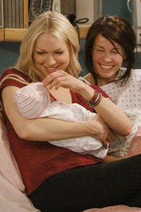 Laura Prepon & Chelsea Handler: The Are You There, Vodka? It's Me Chelsea sitcom shakeup