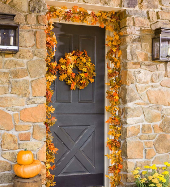 15 Outdoor Decorations To Transform Your Yard For Fall
