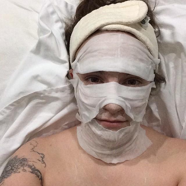 Lena Dunham mummy spa